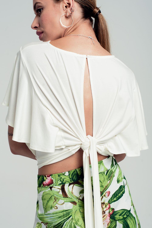 7ab51d38a Top branco curto com uma traseira aberta e mangas babados curtas enlarge